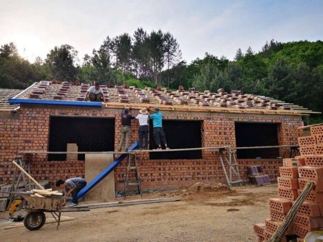 De nieuwbouw van Opvanghuis Liefdevol Hart is in volle gang